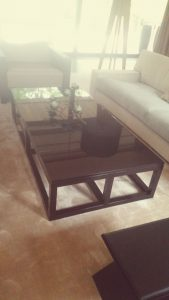 Столы и столовые группы